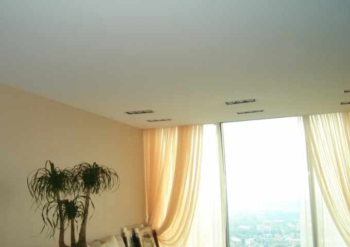 Матовый натяжной потолок СПб