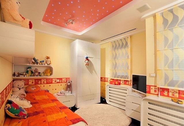 Цветной матовый натяжной потолок в детской