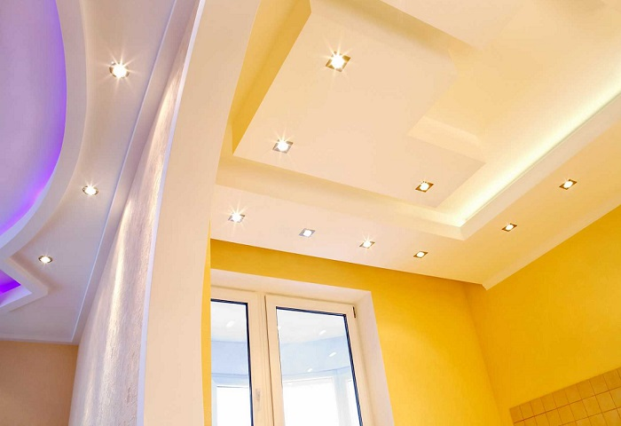 Натяжные потолки на кухне СПб