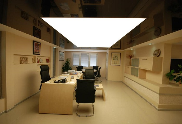 Натяжные потолки в кабинете СПб