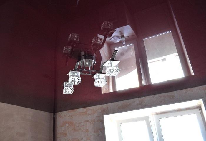 Зеркальный натяжной потолок в СПб
