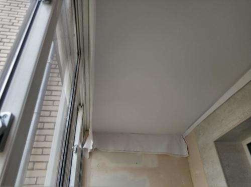 Натяжной потолок на лоджии, монтаж