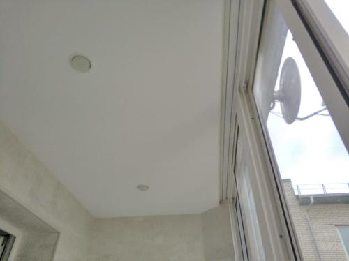 Натяжной потолок на лоджии, результат