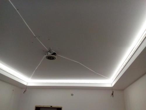 Парящий матовый натяжной потолок, монтаж