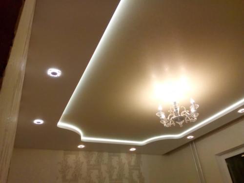 Резной потолок с тремя видами подсветки, результат