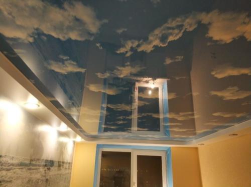 Глянцевый потолок с фотопечатью