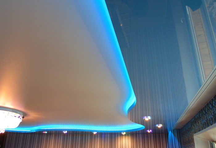 Парящий натяжной потолок в СПб