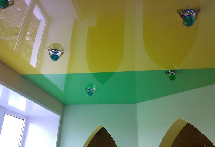 Цветной потолок СПб